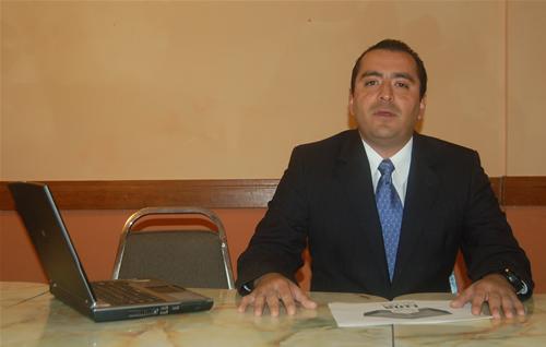 Las encuestas son para tomar decisiones: Luis Lavín